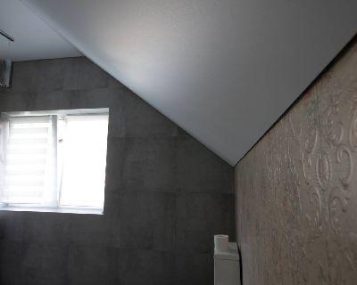 Натяжной потолок в ванную, Матовые натяжные потолки