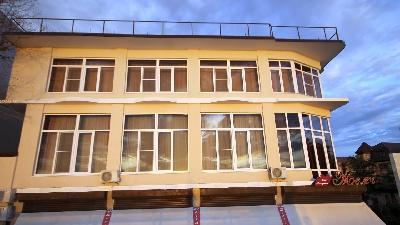 Окна в частный дом, Окна и двери ELEX